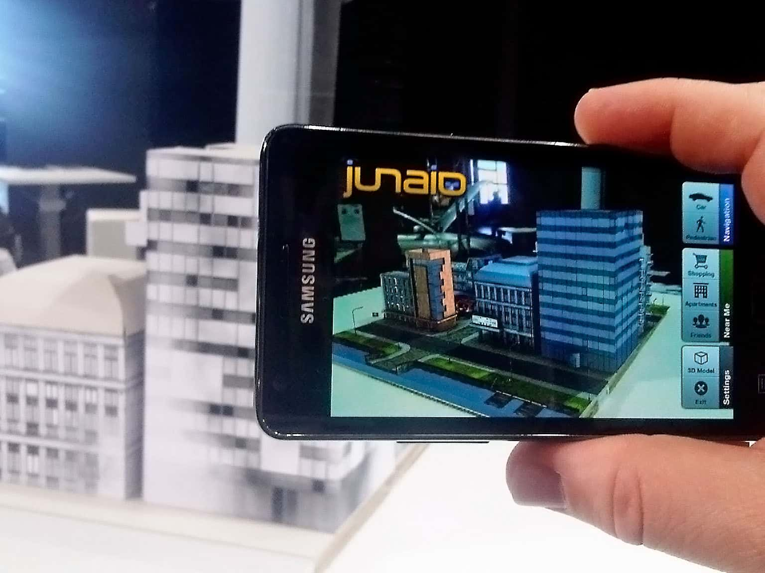 Mobile augmented reality – Brave New World or Technical revolution?