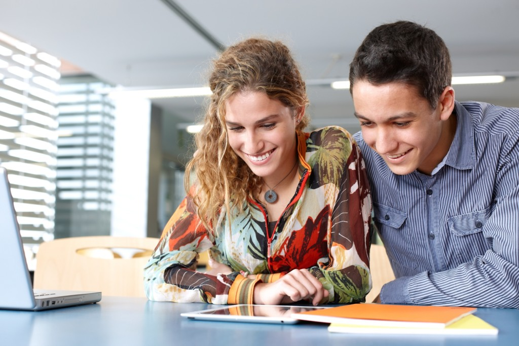 Social Media Marketing for Universities Should You Use It
